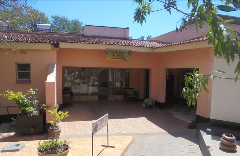 Tatenda Safaris, Hwange