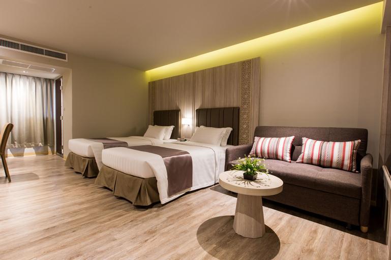 S.D. Avenue Hotel, Bang Plad
