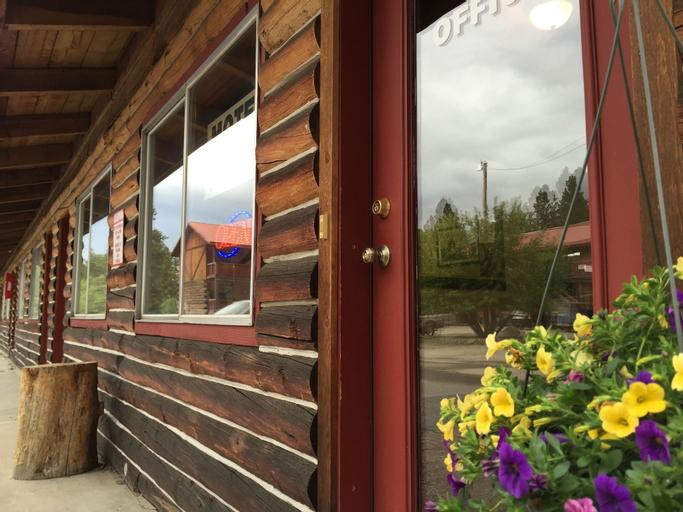 The Rustic Inn, Valley