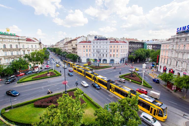 Avenue Hostel, Budapesti