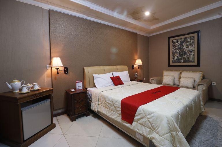 RedDoorz Plus @ Jalan Dharmawangsa, Jakarta Selatan