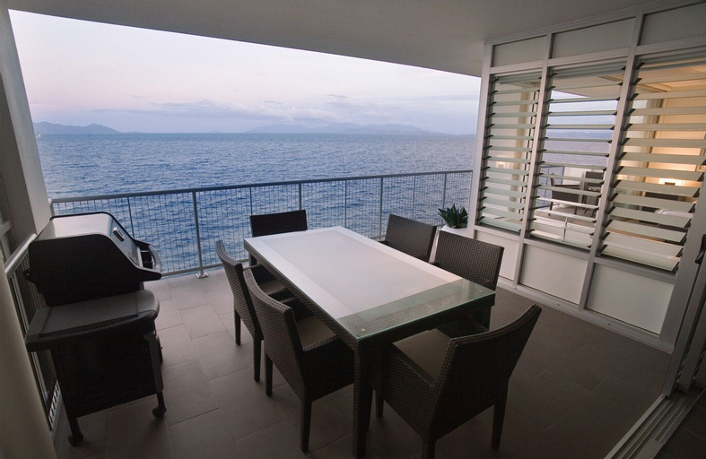 1 Bright Point Apartment 5201, Magnetic Island