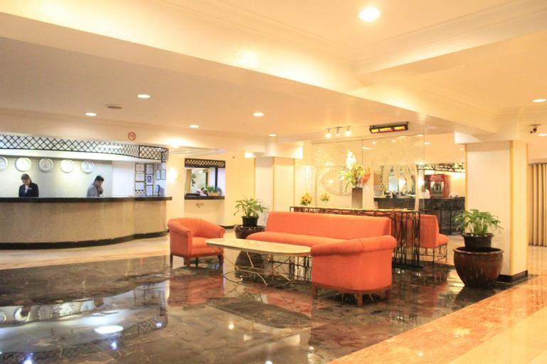 Las Palmas Hotel de Manila, Manila