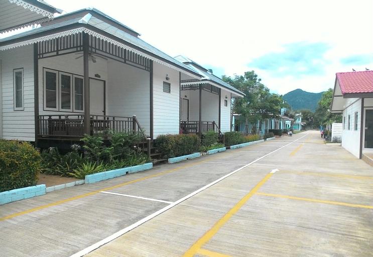 Ing-Fah Villa, K. Sam Roi Yot