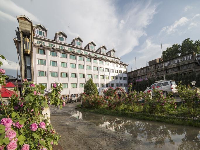 OYO 5174 Hotel Pamposh, Srinagar