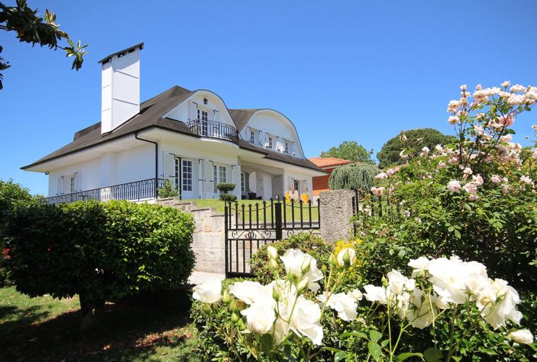 Villa Branca Barreiros Bed & Breakfast, Amares