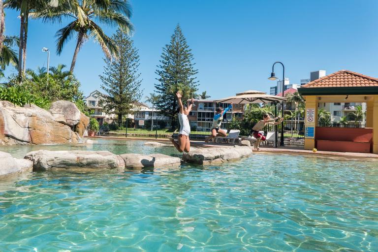 Paradise Island Resort, Surfers Paradise