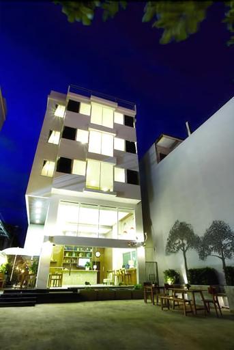 The Loft 77 Hotel, Suan Luang
