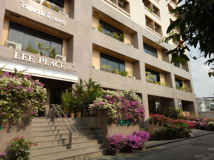 Lee Place Hotel, Yannawa