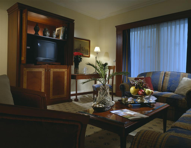 Sheraton Cairo Hotel & Casino, Ad-Duqi