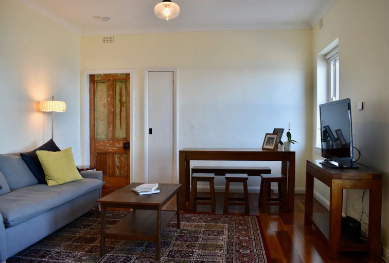 Ocean Front Apartment in North Bondi, Waverley