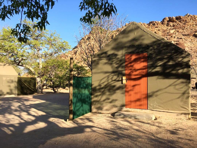 Twyfelfontein Tented Camp, Khorixas