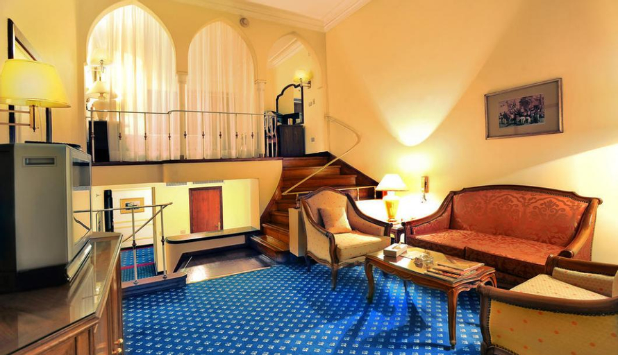 Shepheard Hotel, Bulaq