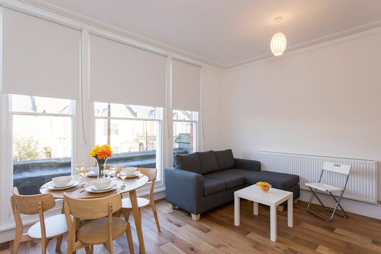 Gorgeous 2 bed flat near Central London for 6, London
