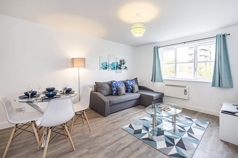 Modern 2 Bedroom Lewisham Apartment, London