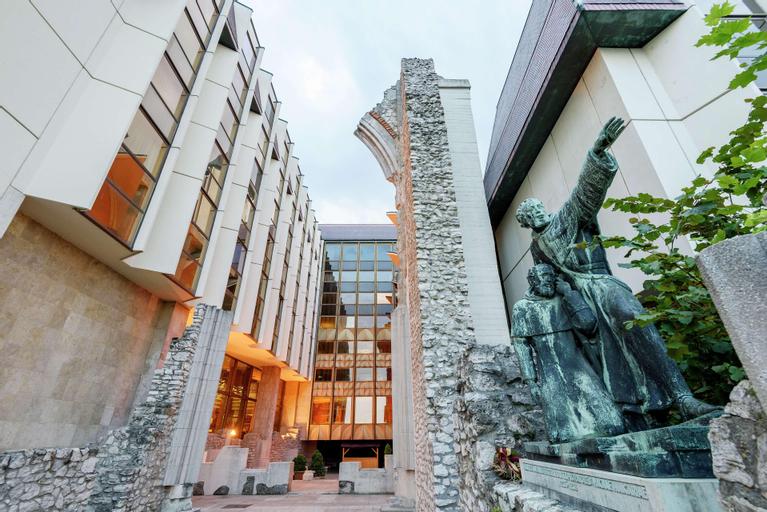 Hilton Budapest, Budapesti