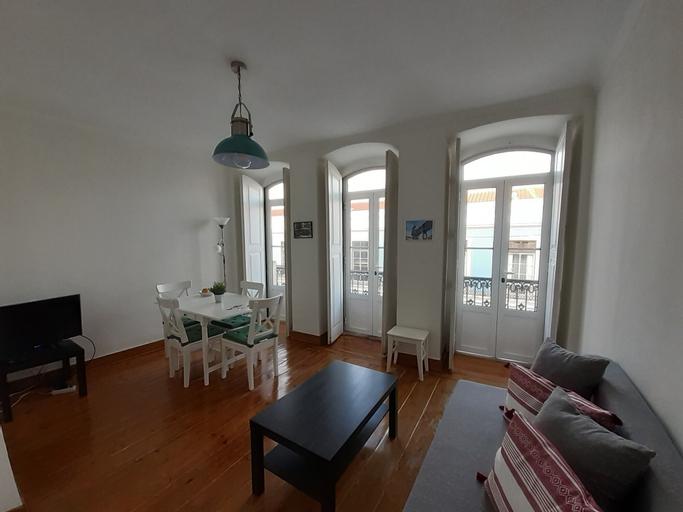 Amazing Apartment with Balcony Castle, Lisboa