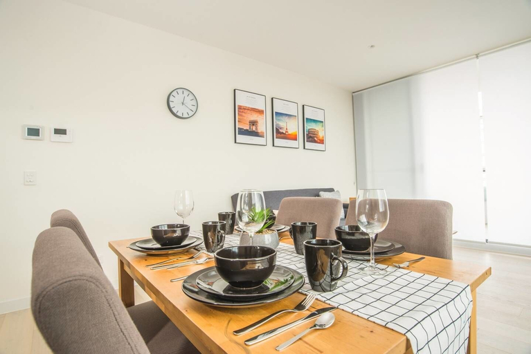 Lovely Two Bed Home In Macquarie Park, Ryde