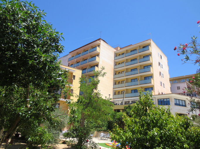 Hotel Amazonas, Baleares