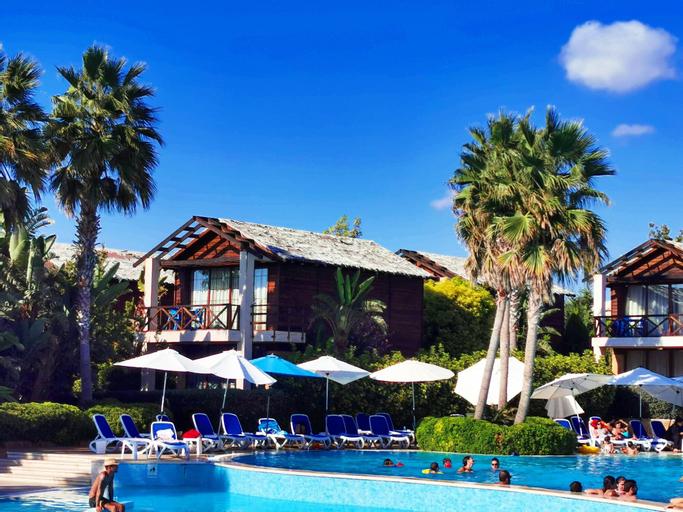 Turquoise Beach Resort, Sour