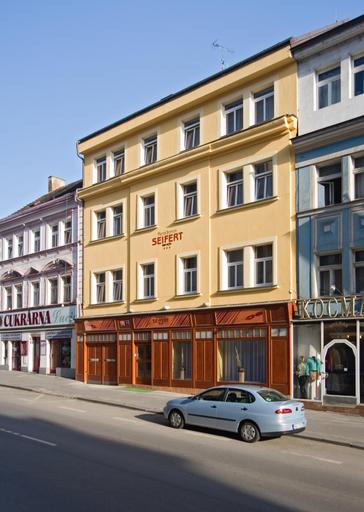Seifert, Praha 8