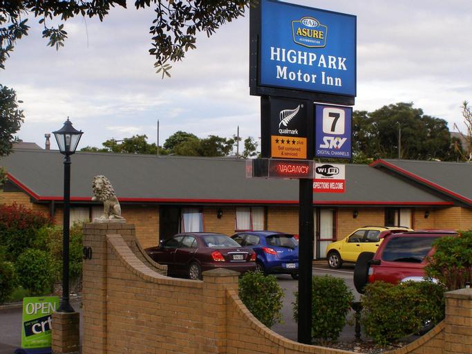 ASURE Highpark Motor Inn, Grey