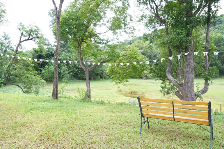 The White Village Ranong Resort, Muang Ranong