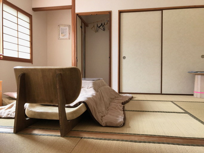 Sayama Aesthetics School, Ōsakasayama