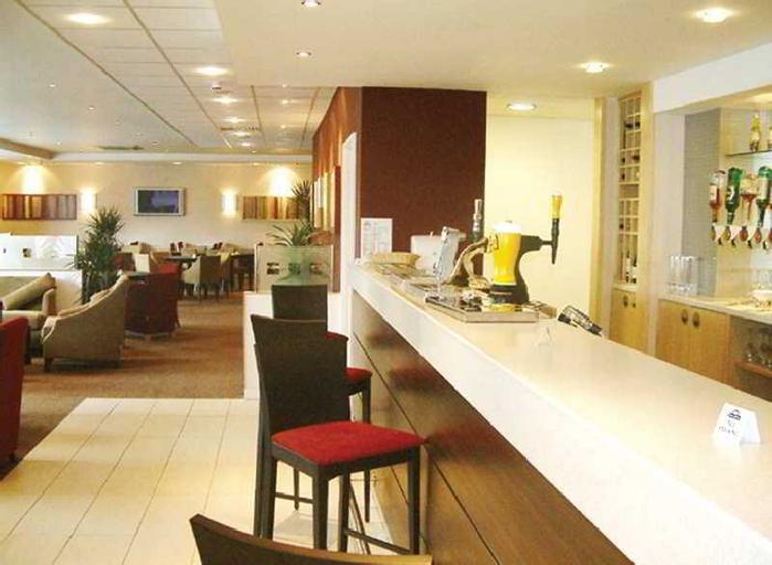 Premier Inn Luton Town Centre, Luton