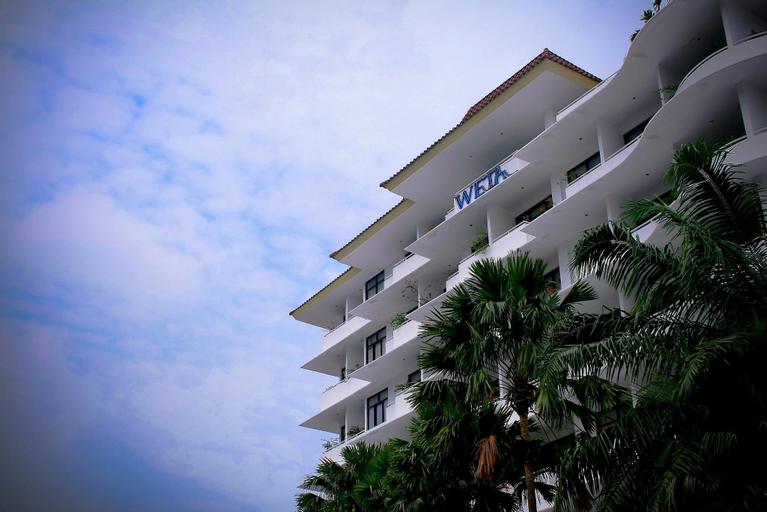 Weta International Hotel Surabaya, Surabaya