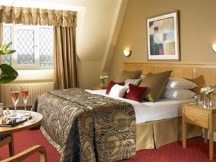 The Gleneagle Hotel & Apartments,