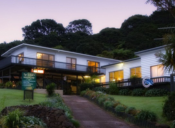 Tipi and Bob's Waterfront Lodge, Auckland