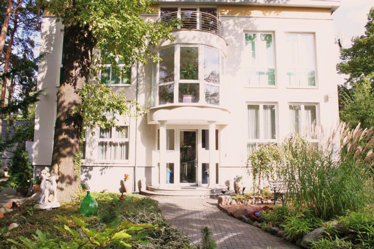 Hotel und Appartmenthaus Rheden, Oberhavel
