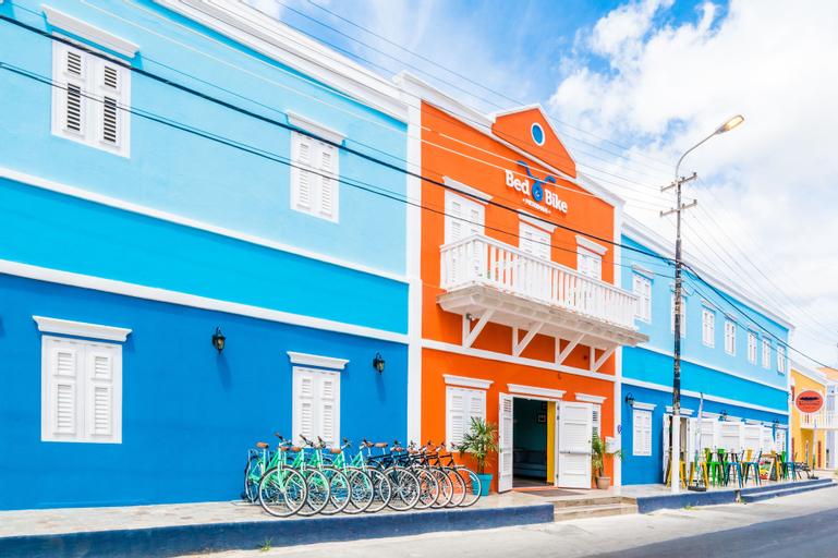 Bed & Bike Curacao Hotel,