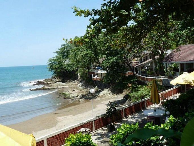 Bunga Ayu Seaside Resort, Sukabumi