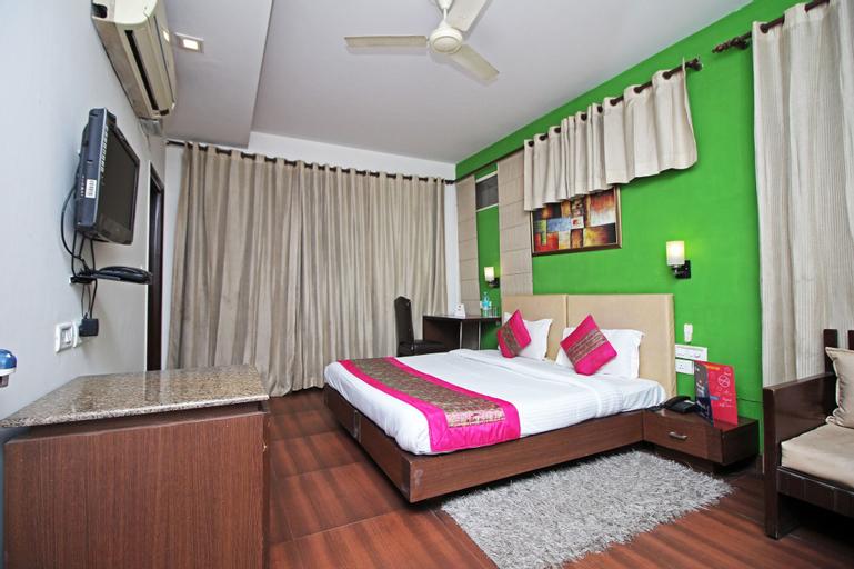 OYO 8526 SD Royal Inn, Gurgaon