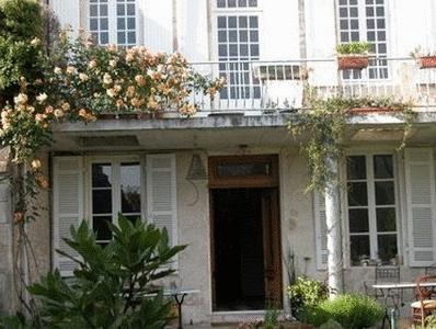 La Porte Rouge - The Red Door Inn Chambres d'Hotes, Charente-Maritime