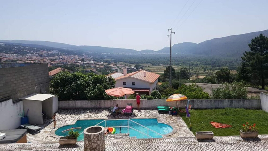 Villa With 6 Bedrooms in Mira de Aire, With Wonderful Mountain View, Private Pool, Enclosed Garden - 35 km From the Beach, Porto de Mós