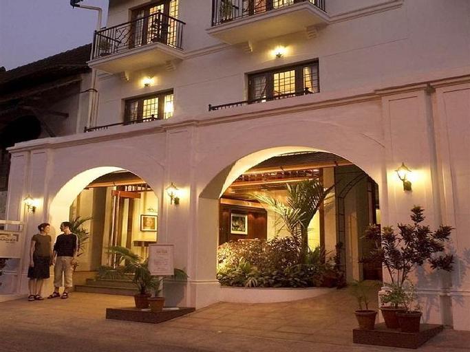 Hotel Arches, Ernakulam