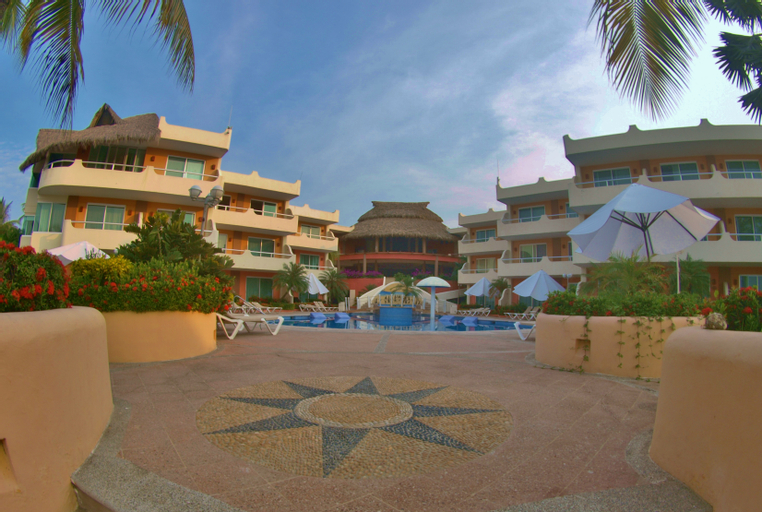 Star Bay Resort, Compostela