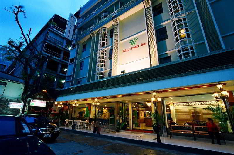 Wall Street Inn, Bang Rak