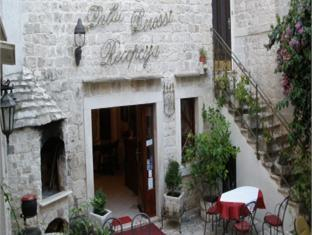 Palace Derossi, Trogir