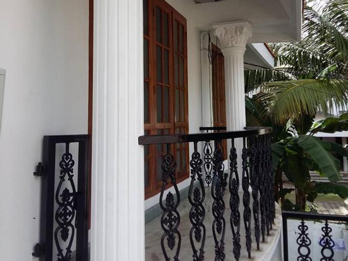 Nenas Inn, Ernakulam