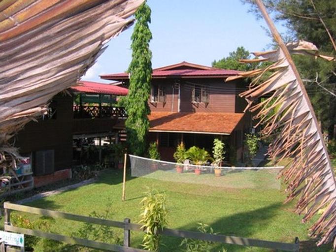 Treetops Jungle Lodge, Miri
