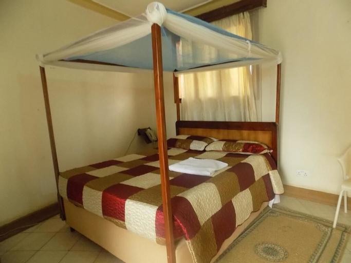 Pride Travellers Hotel, Buwekula