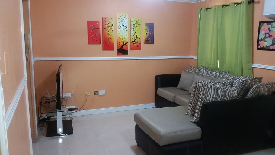 The Oasis at Oaklands Apartment 2,