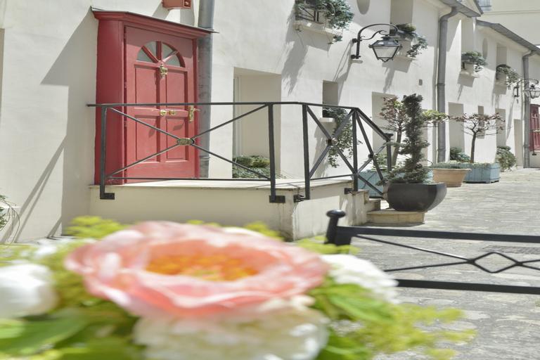 Hotel Suites Unic Renoir Saint-Germain, Paris