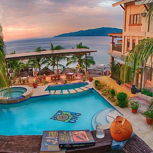 Pier Uno Dive Resort, Mabini