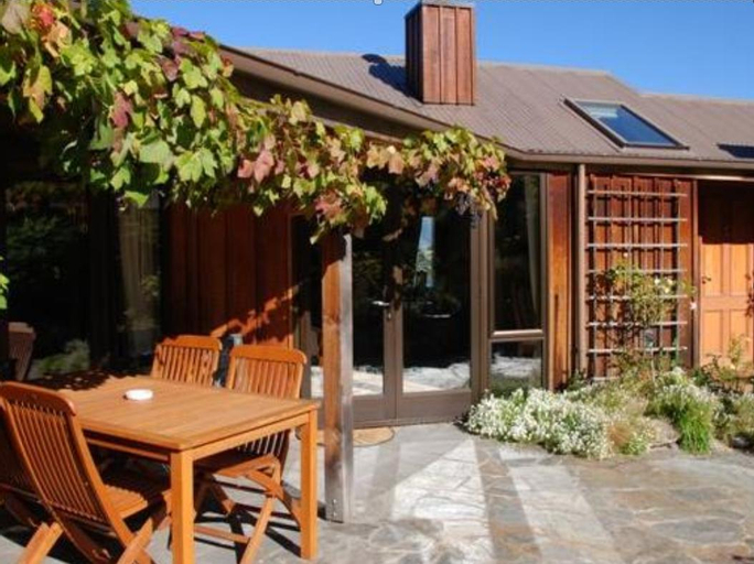 Larch Hill  Homestay  Bed And Breakfast, Queenstown-Lakes