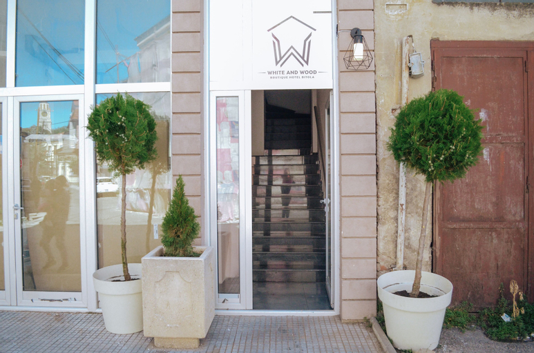 White and Wood Boutique Hotel,